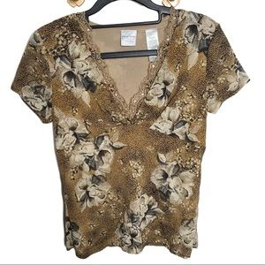 Emma James v neck lace tromp floral top